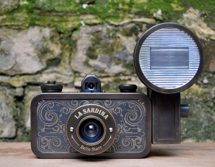 Ломо камера La Sardina Flash Belle Starr